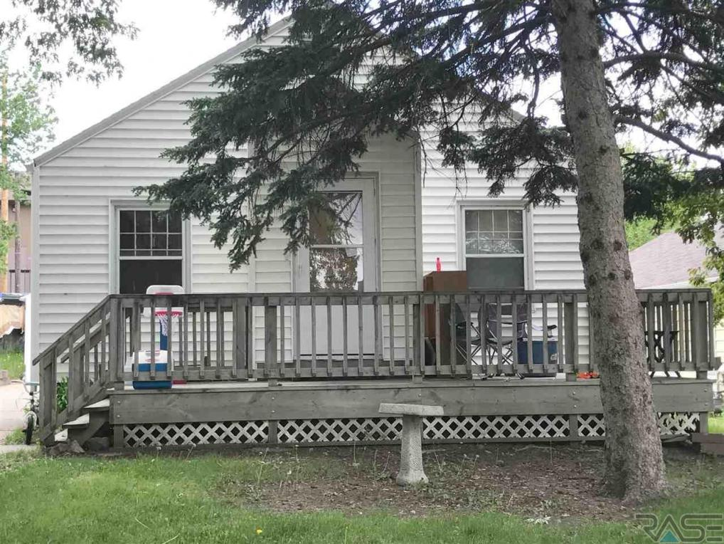 1005 S Sherman Ave, Sioux Falls, SD 57104