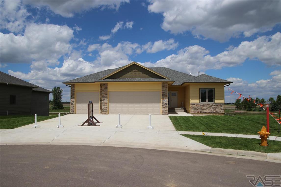 5716 E Robin Oak Cir, Sioux Falls, SD 57110