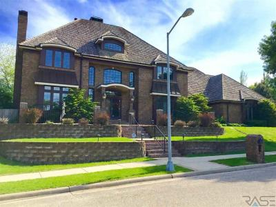 Photo of 3001 W Donahue Dr, Sioux Falls, SD 57105