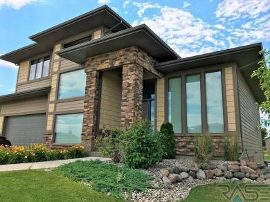 1309 W Whitechurch Ln, Sioux Falls, SD 57108