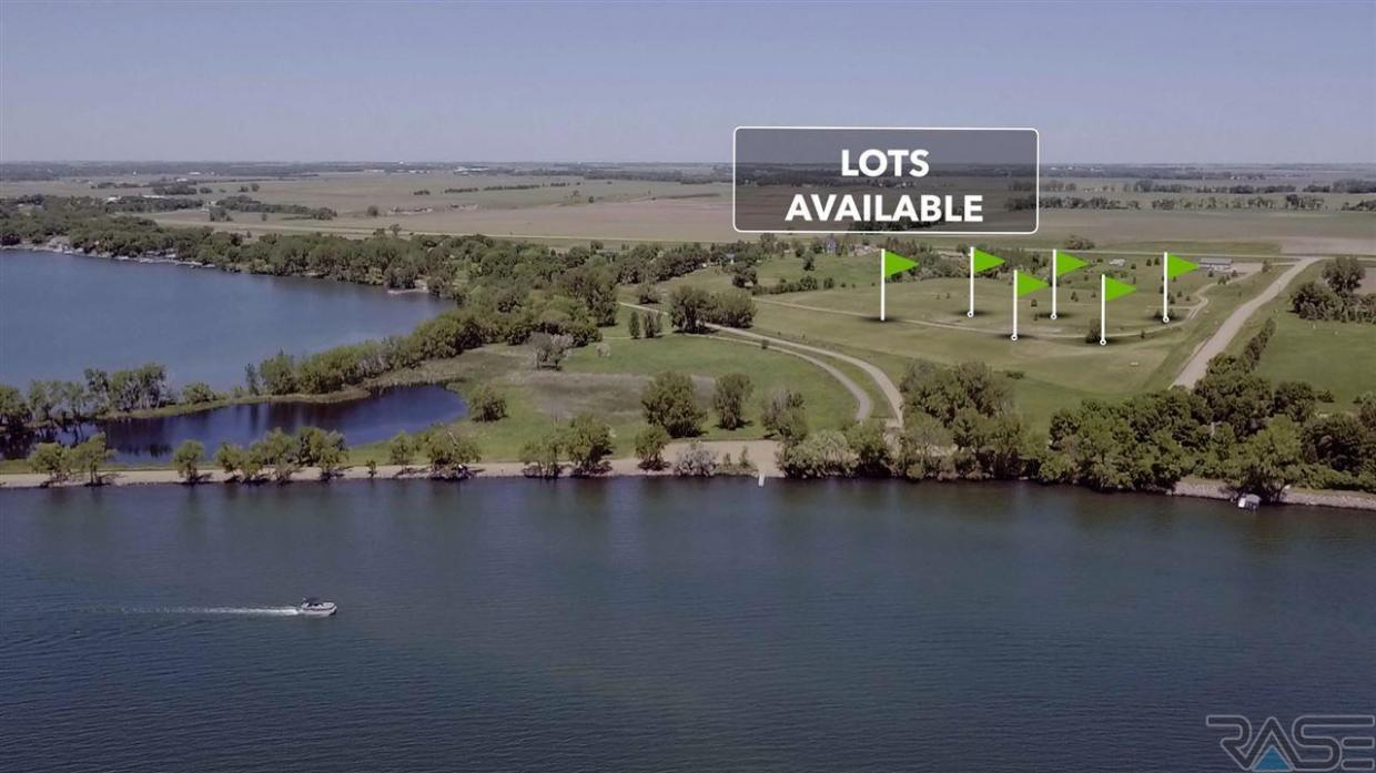 6100 Point Dr, Madison, SD 57042