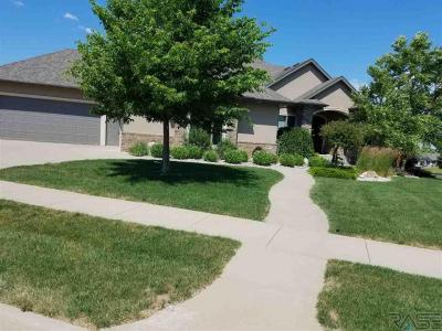 Photo of 6901 S Dalston Ln, Sioux Falls, SD 57108