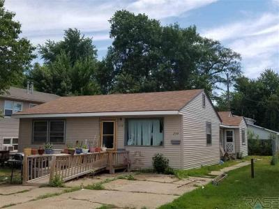 Photo of 234 S Elmwood Ave, Sioux Falls, SD 57104
