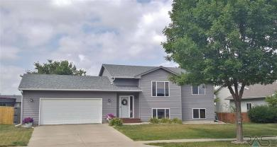 6904 W 67th St, Sioux Falls, SD 57106