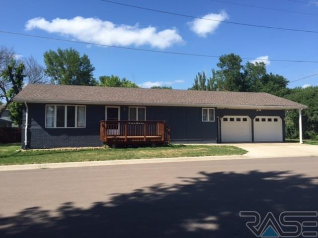 EXIT Realty Sioux Empire's latest listing in Canistota!