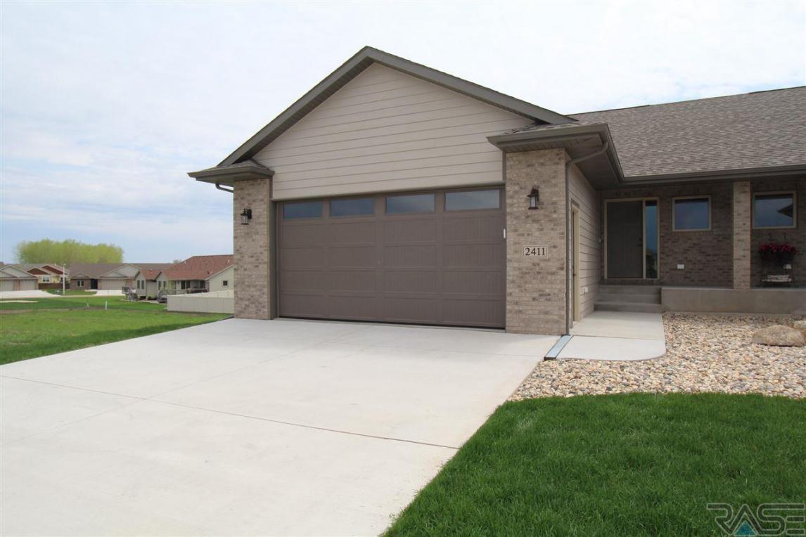 2411 E Tranquility Cir, Sioux Falls, SD 57108