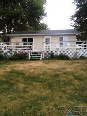 Photo of 6668 Bayview Ln, Wentworth, SD 57075