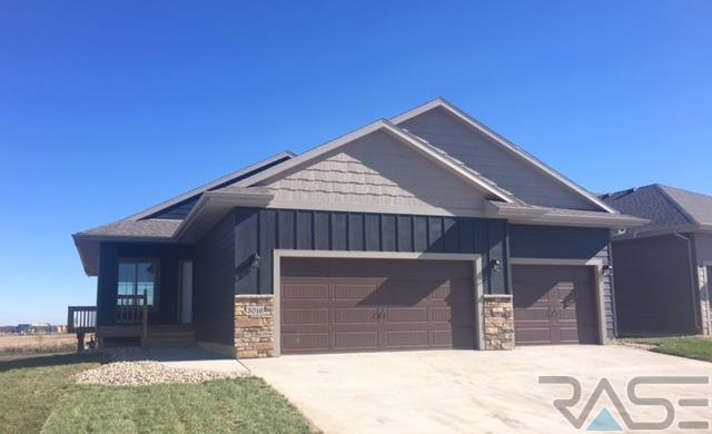 3016 S Keyrell Dr, Sioux Falls, SD 57106
