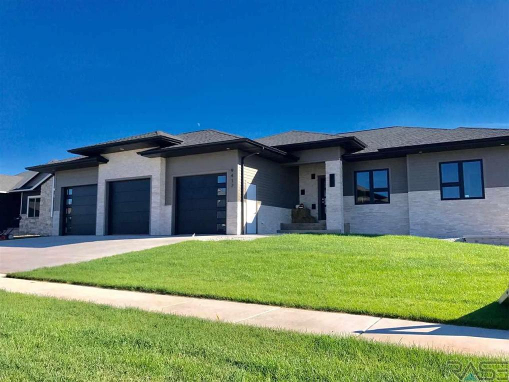 9417 W Dragonfly Dr, Sioux Falls, SD 57107