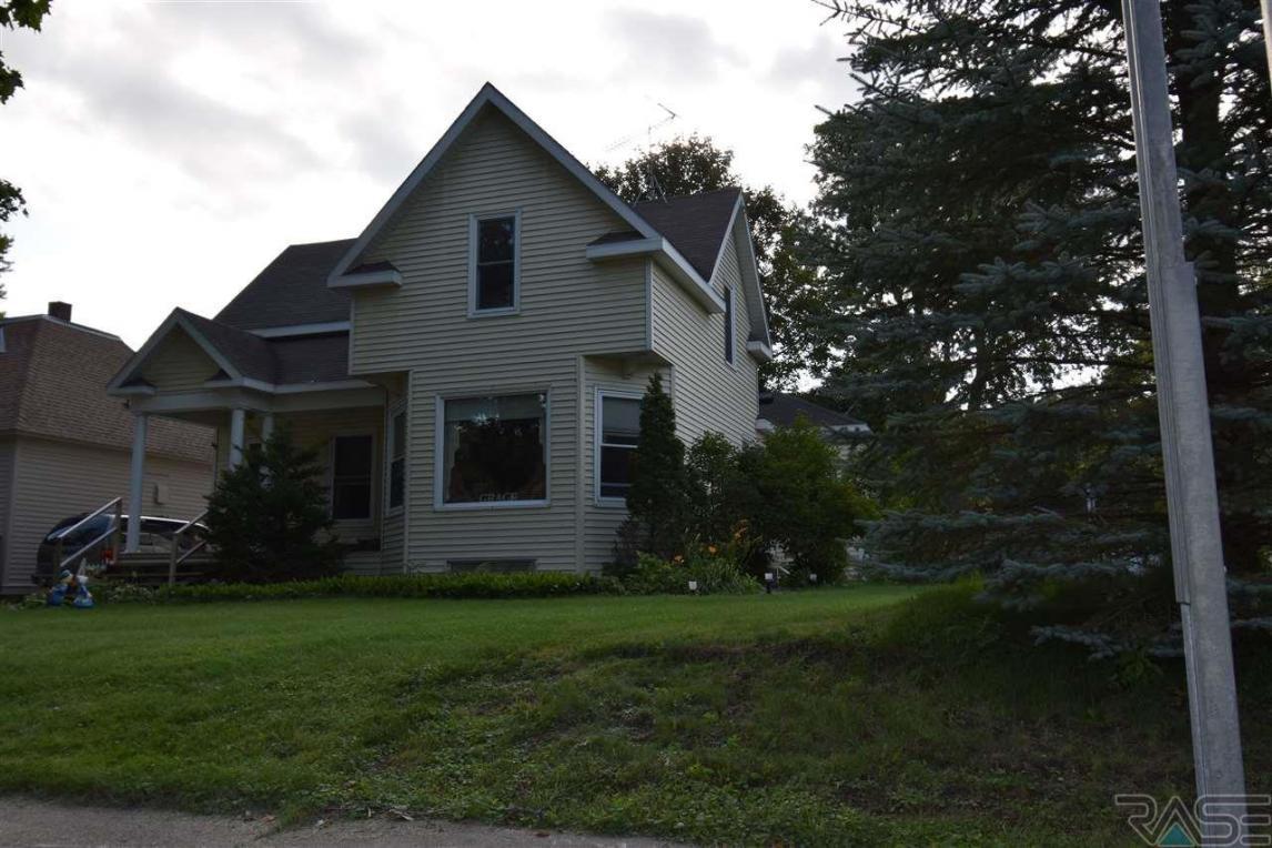 230 S Fremont St, Lake Benton, MN 56149