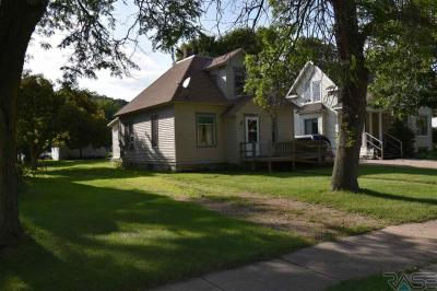 Photo of 232 S Fremont St, Lake Benton, MN 56149