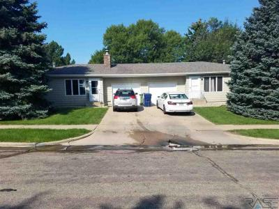 Photo of 4805 S Baha Ave, Sioux Falls, SD 57106
