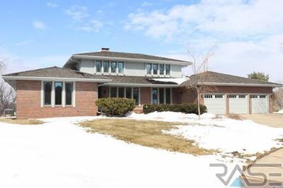Photo of 4700 S Wildwood Cir, Sioux Falls, SD 57105
