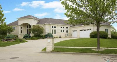 Photo of 324 W Laquinta Cir, Sioux Falls, SD 57108