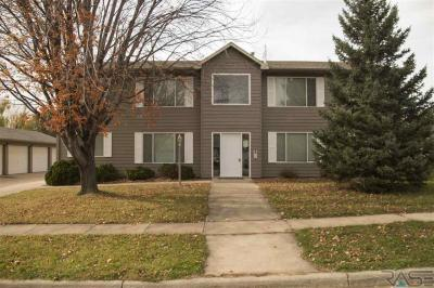 Photo of 3601 S Palisade Ln, Sioux Falls, SD 57106