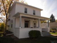 309 NW 1st St, Madison, SD 57042
