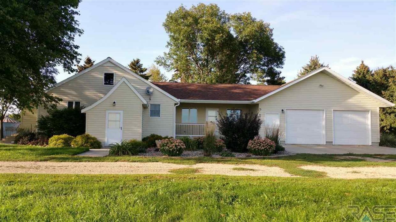 28136 442nd Ave, Freeman, SD 57029