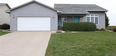 22 S 6th St, Baltic, SD 57003