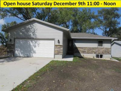 Photo of 116 W Boynton Ave, Lennox, SD 57039