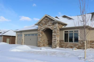 Photo of 7412 Grand Arbor Ct, Sioux Falls, SD 57108