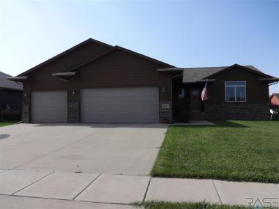 Photo of 1025 N Rose Ave, Tea, SD 57064