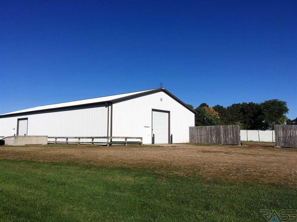 28189 West Ave, Canton, SD 57013