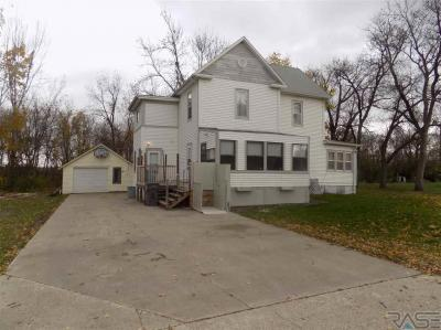 Photo of 303 N Florence Ave, Colman, SD 57017