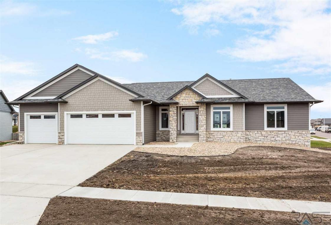 9001 W Dragonfly Dr, Sioux Falls, SD 57107