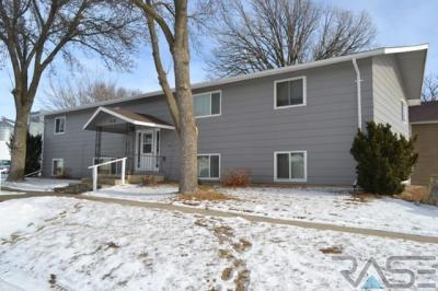 Photo of 310 Jackson St, Valley Springs, SD 57068