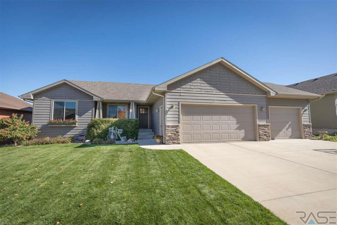 2804 S Statice Ave, Sioux Falls, SD 57106