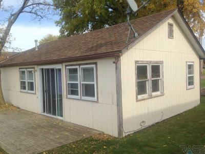 Photo of 6619 Wentworth Park Dr, Wentworth, SD 57075