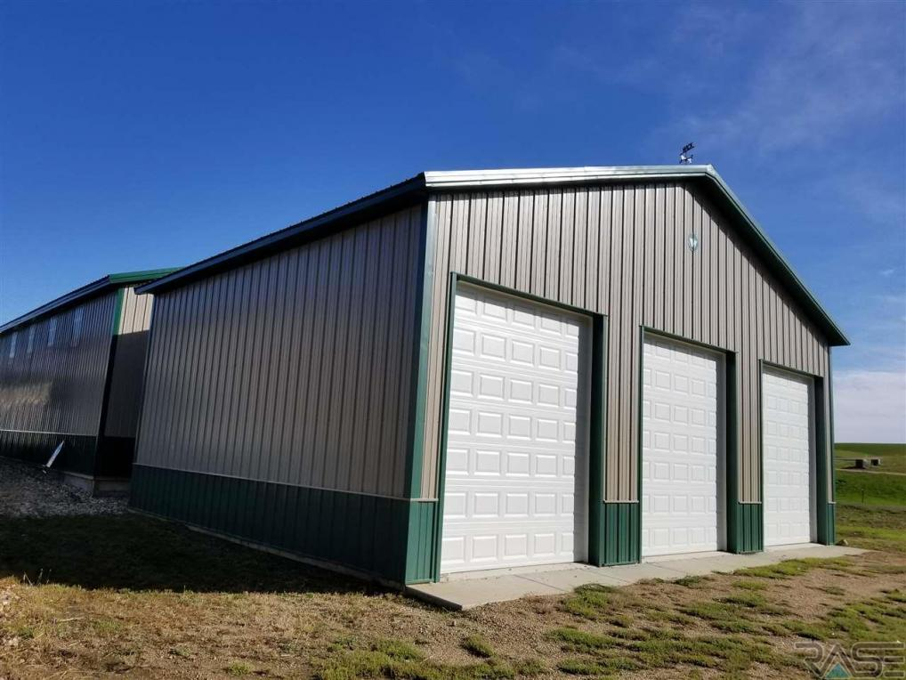 23661 461st Ave, Wentworth, SD 57075