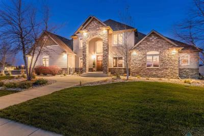 Photo of 7300 S Shadow Creek Ave, Sioux Falls, SD 57108