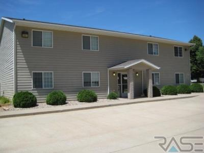 Photo of 309 E 6th Ave, Lennox, SD 57039