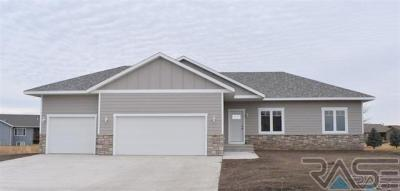 Photo of 206 Almond Ave, Harrisburg, SD 57032
