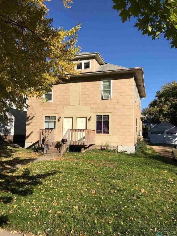 112 Lincoln St, Luverne, MN 56156