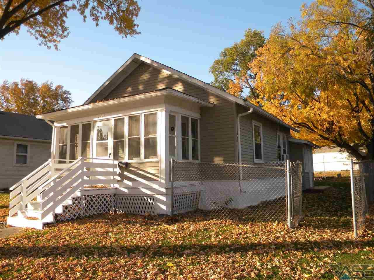 Open House this Sunday 3pm 818 W Center St