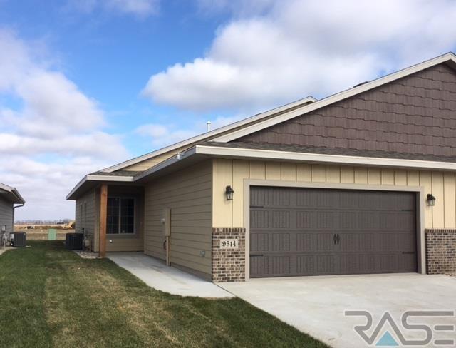 9514 W Gert St, Sioux Falls, SD 57106