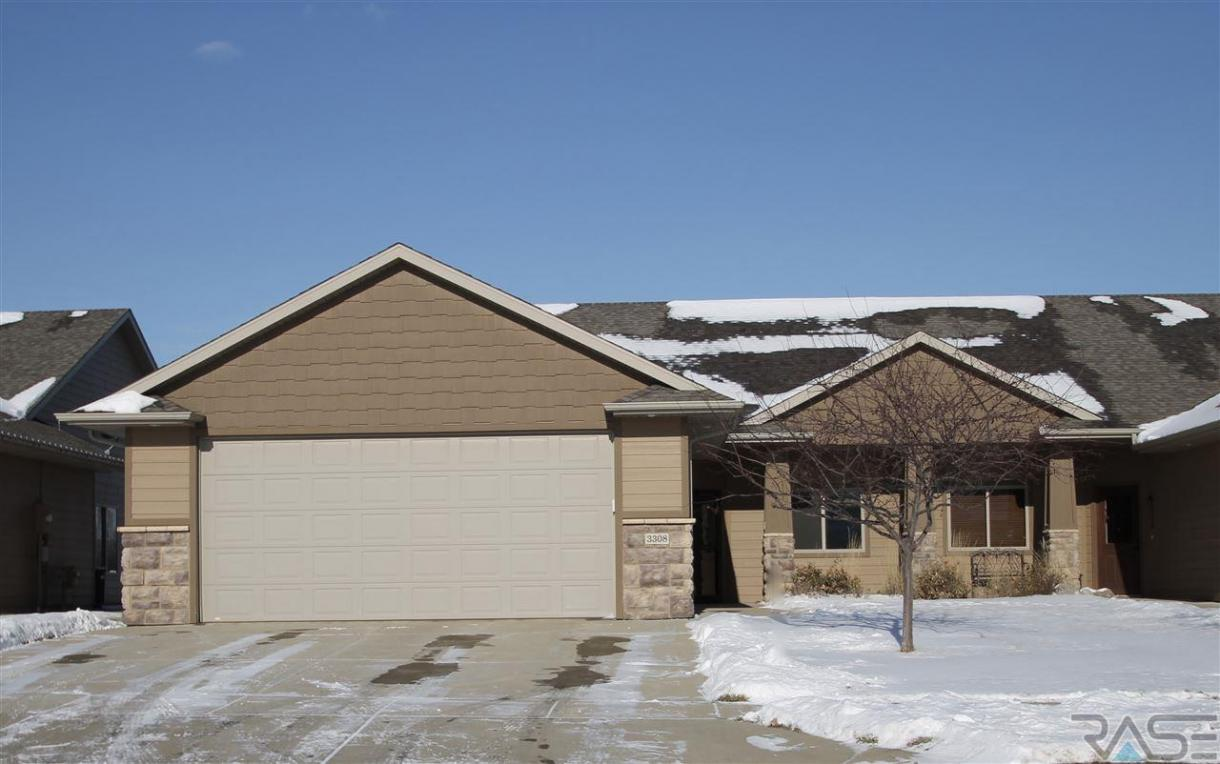3308 E Woodsedge St, Sioux Falls, SD 57108