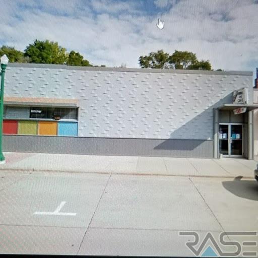 320 & 328 E 4th St, Dell Rapids, SD 57022