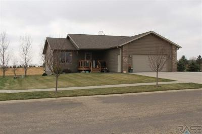 Photo of 1163 N Olive, Madison, SD 57042
