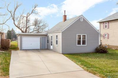 Photo of 417 W 1st Ave, Lennox, SD 57039
