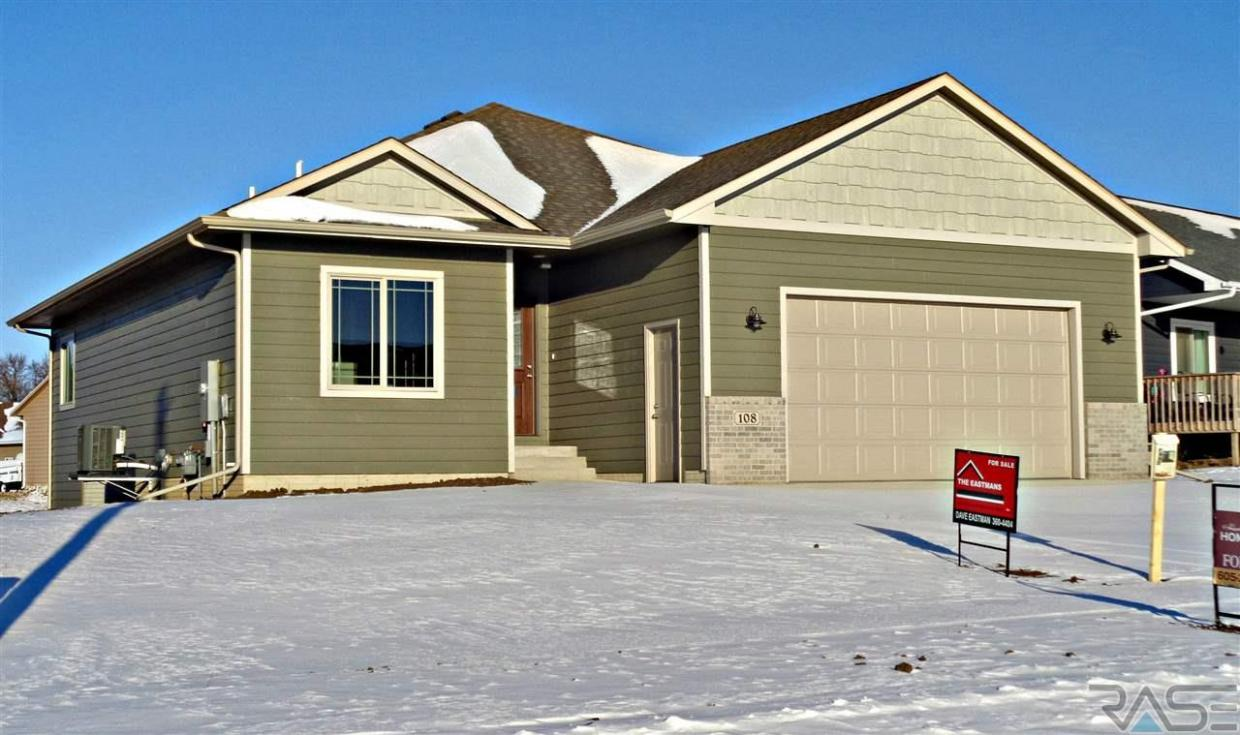 108 Lynx St, Valley Springs, SD 57068