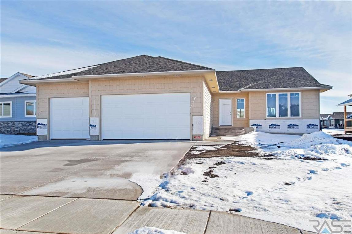 6312 S Vineyard Ave, Sioux Falls, SD 57108