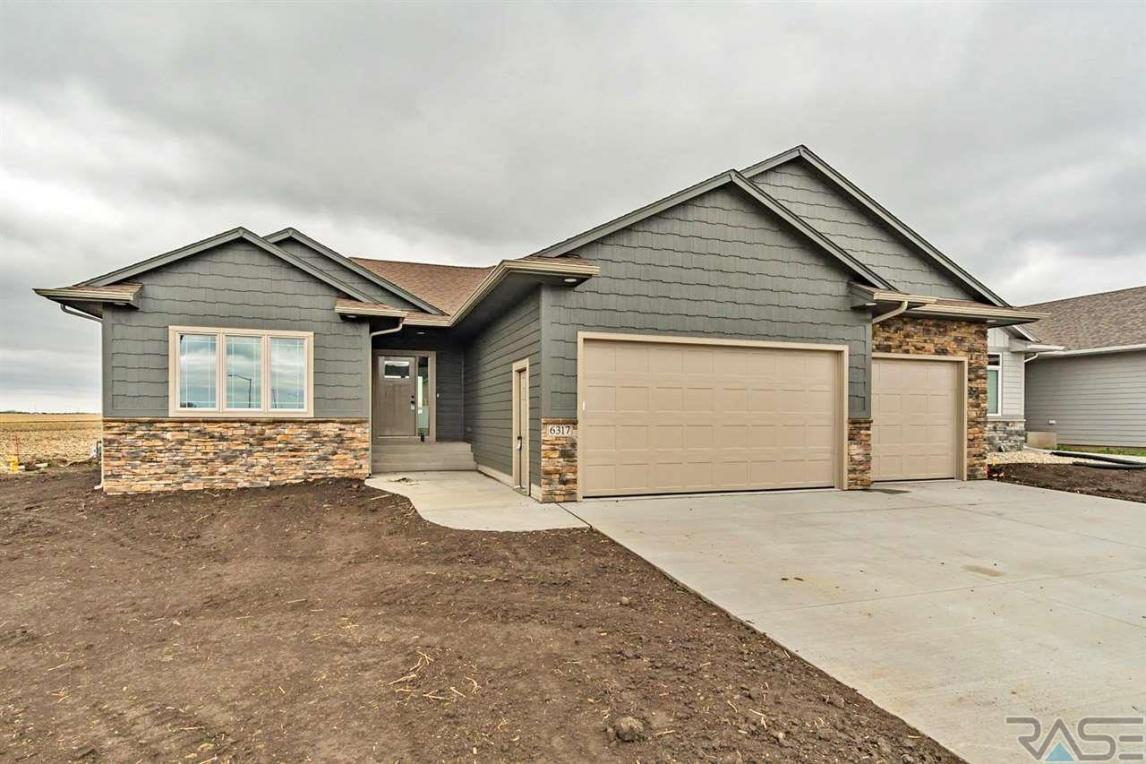 6317 S Vineyard Ave, Sioux Falls, SD 57108