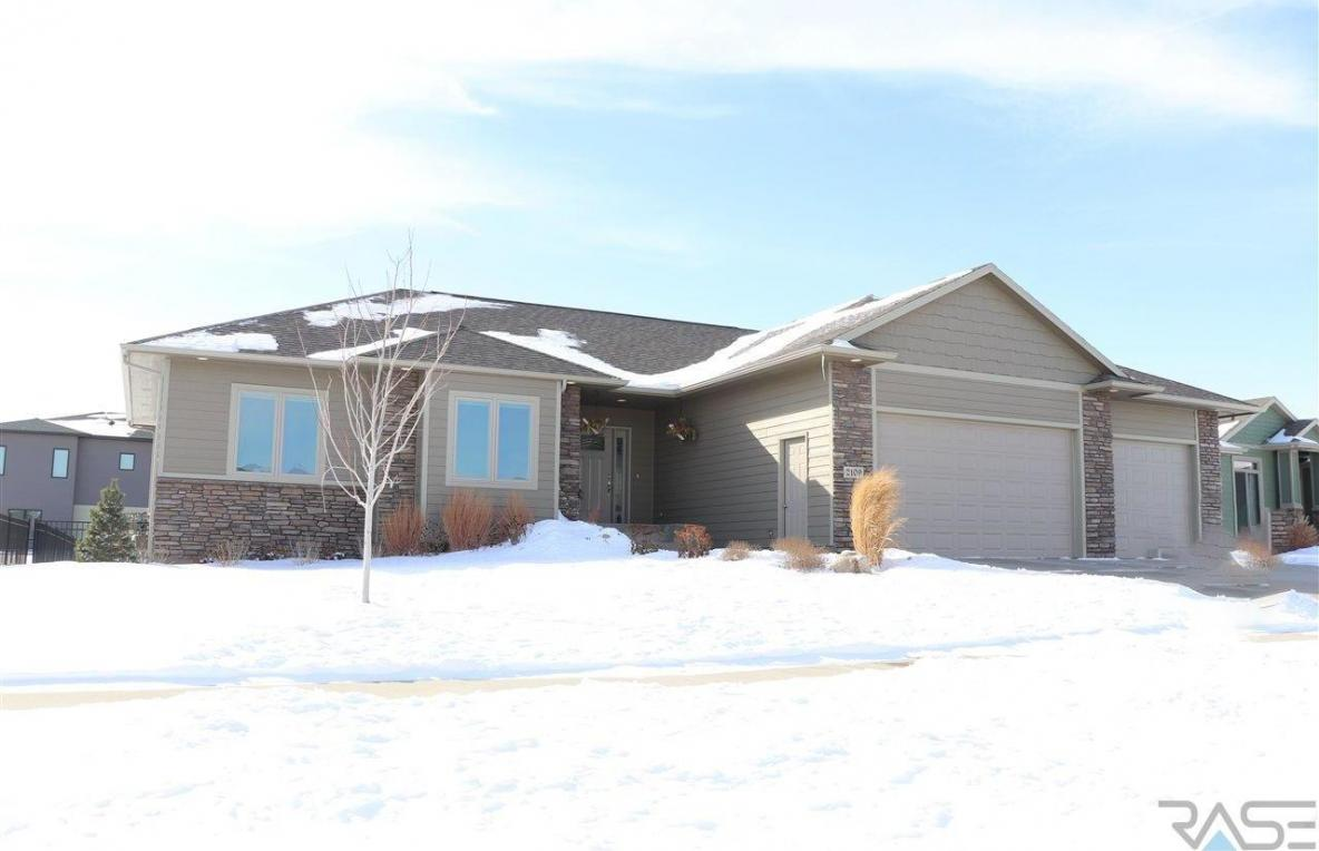 2109 S Canyon Ave, Sioux Falls, SD 57110
