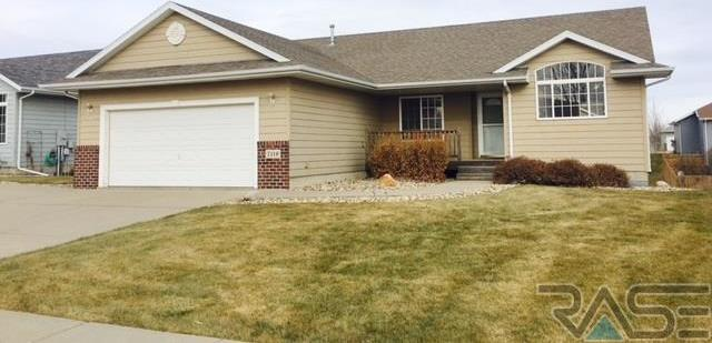 7116 W 52nd St, Sioux Falls, SD 57106