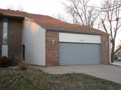 5300 W Birnhamwood Dr, Sioux Falls, SD 57106