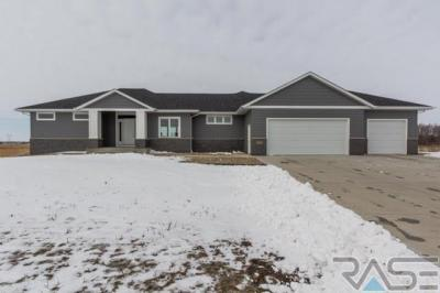 Photo of 27219 Regal Ct, Sioux Falls, SD 57108