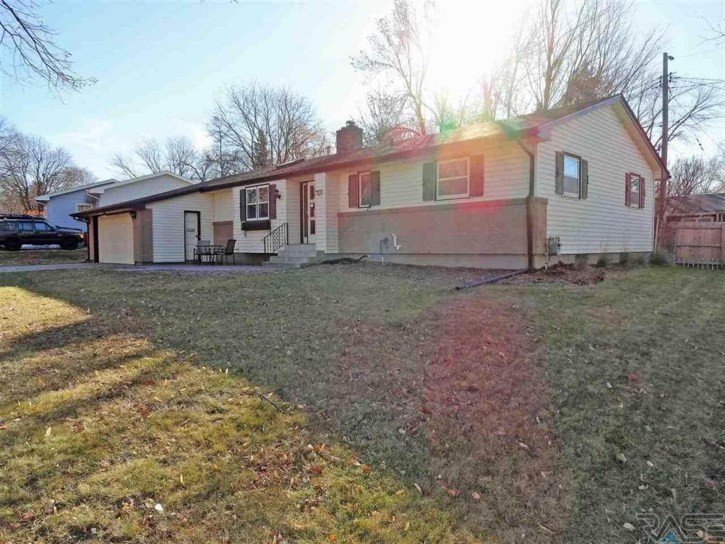 2811 W Oak St, Sioux Falls, SD 57105